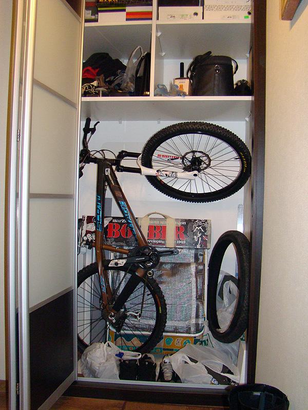 Хранение велосипеда в квартире: 17 вариантов stozabot.com.