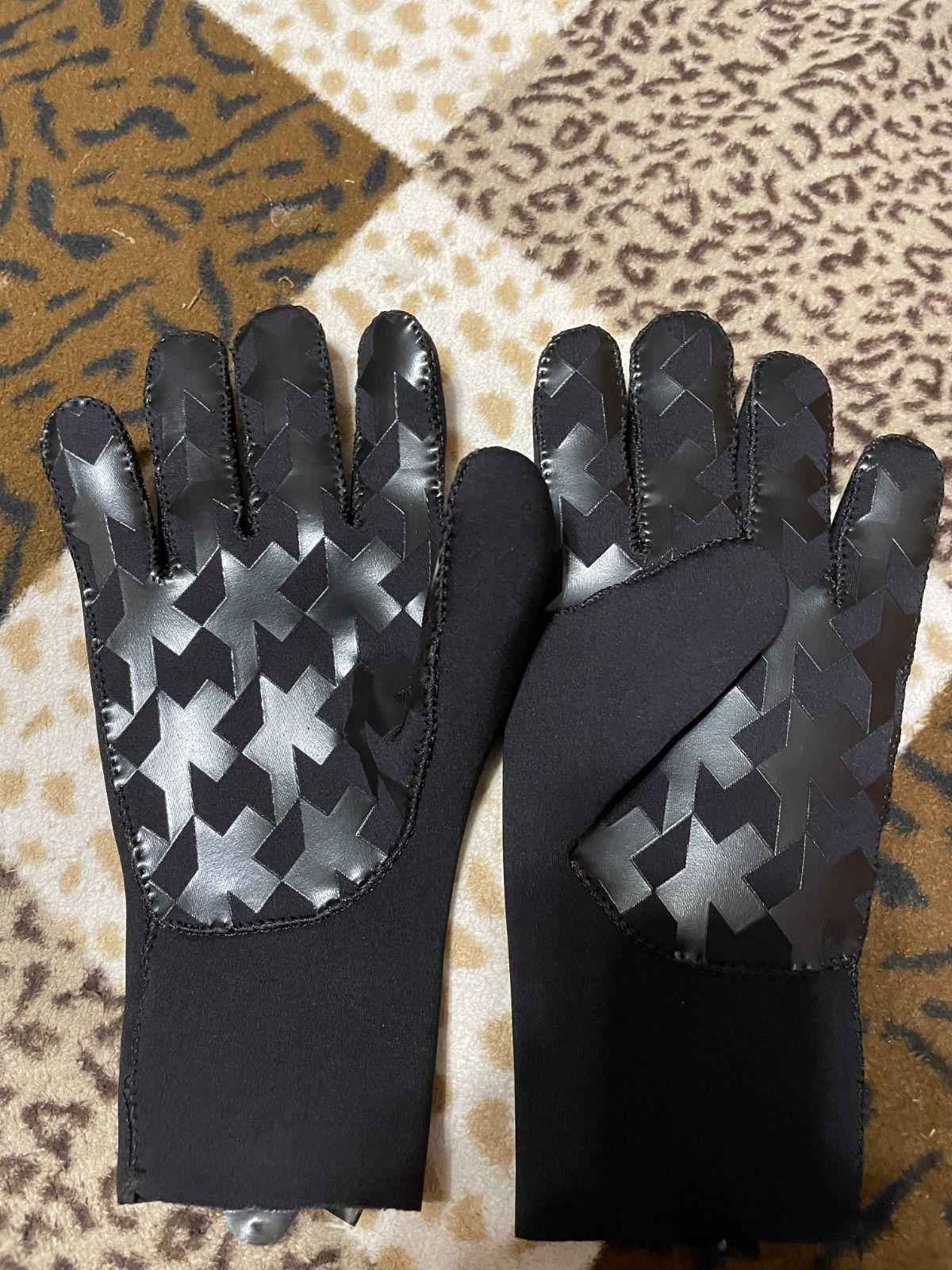 Перчатки ASSOS GT RAIN GLOVES