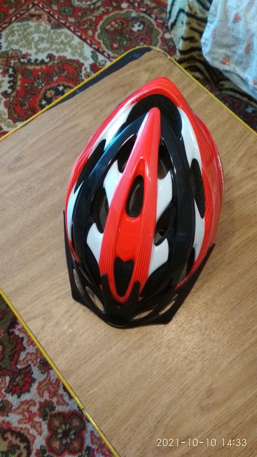шлем для детей.