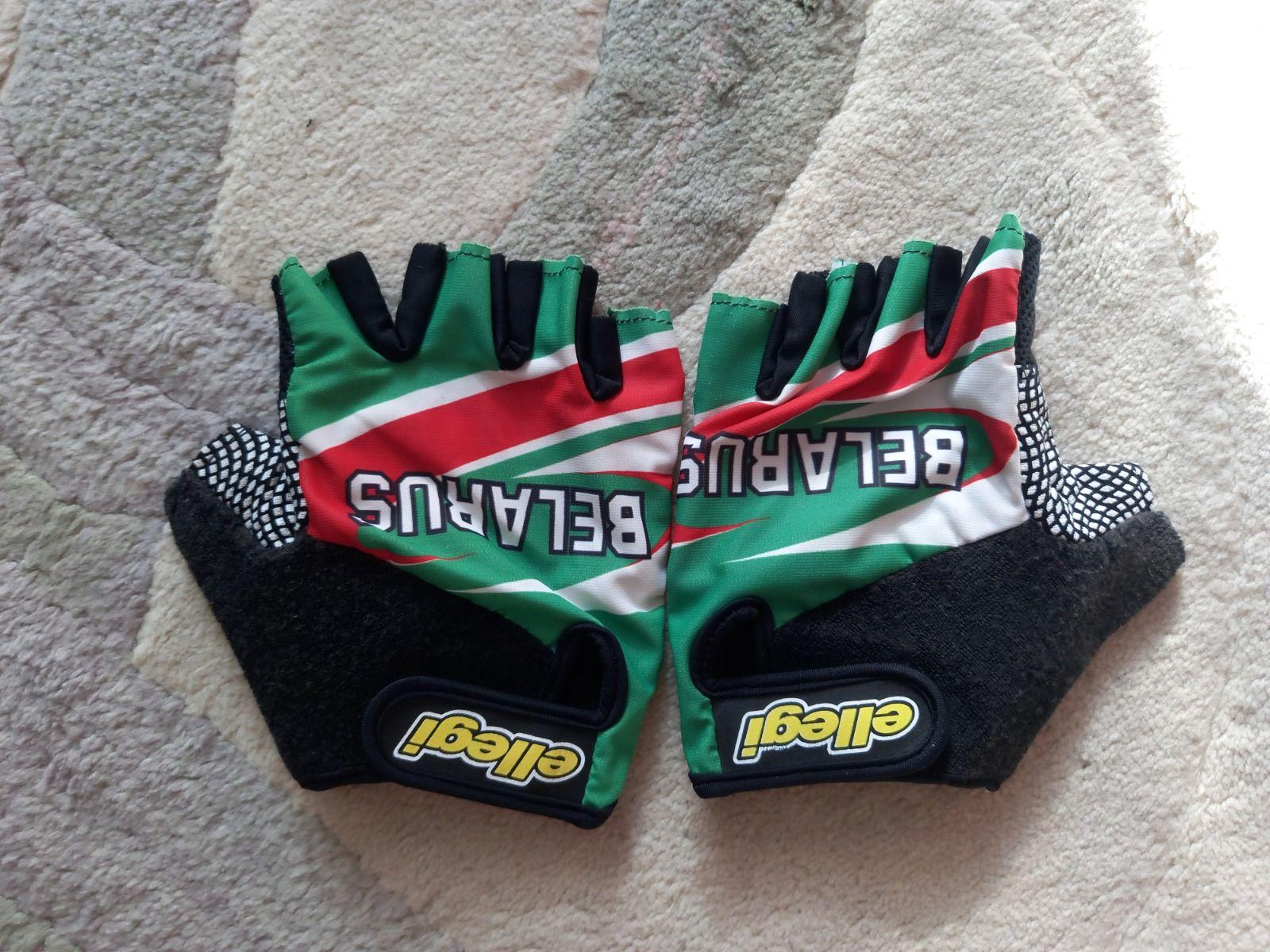 Перчатки производства Италии