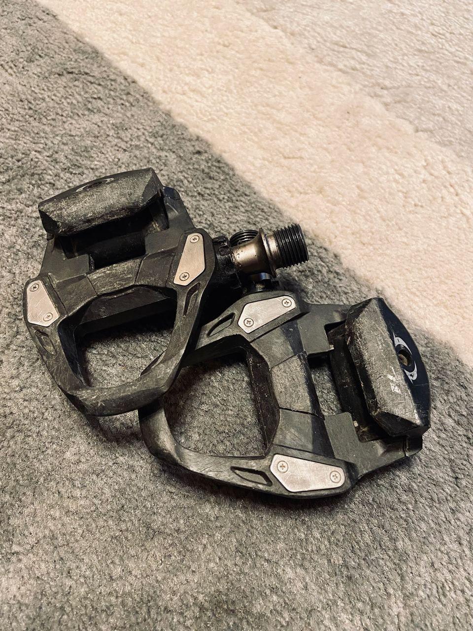 Туфли Specialized Torch 3.0 42 размера + педали Shimano 105 R7000