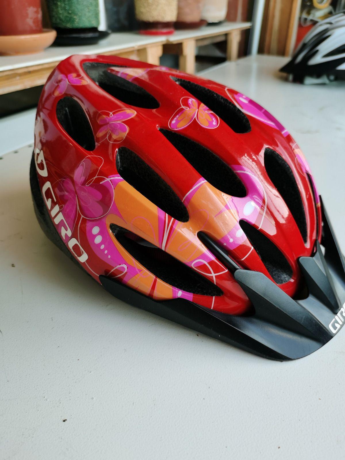 два велошлема маленького размера Giro и Rudy