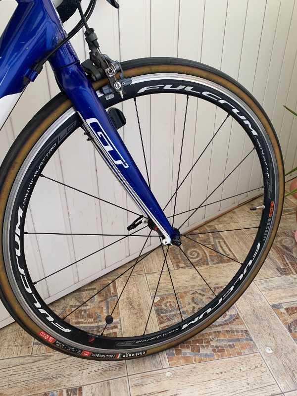 Шоссейный велосипед GT 4series