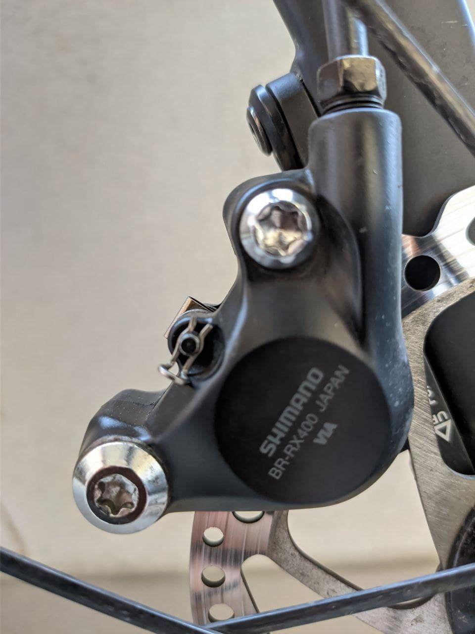 Калиперы гидравлических тормозов Shimano GRX BR-RX400 Flat-Mount