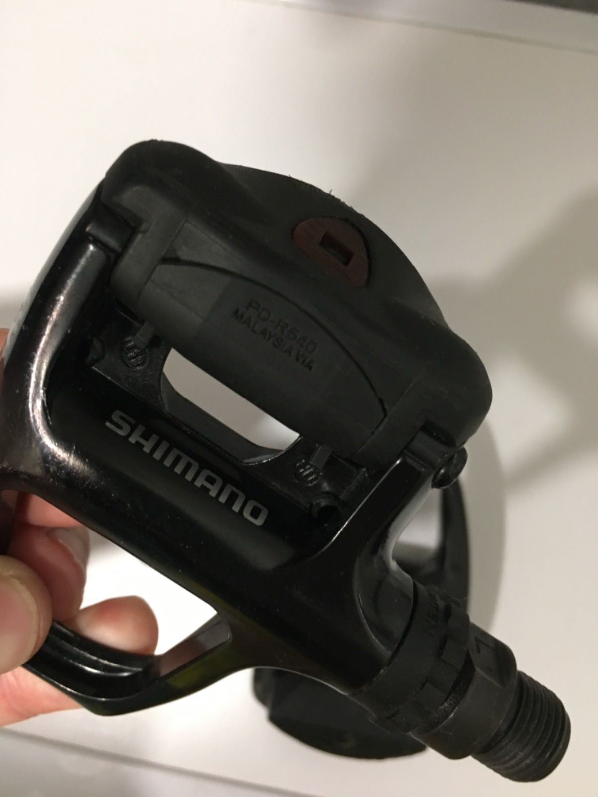 Контактные педали SHIMANO PD-R540