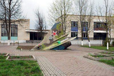 Памятник Владимиру Карвату (первому Герою Беларуси)