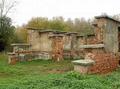Тюрьма (руины)