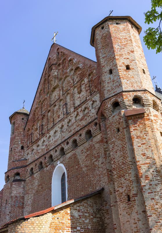 the_ancient_church_of_a_defensive_type_1_dlya_poekhali.jpg