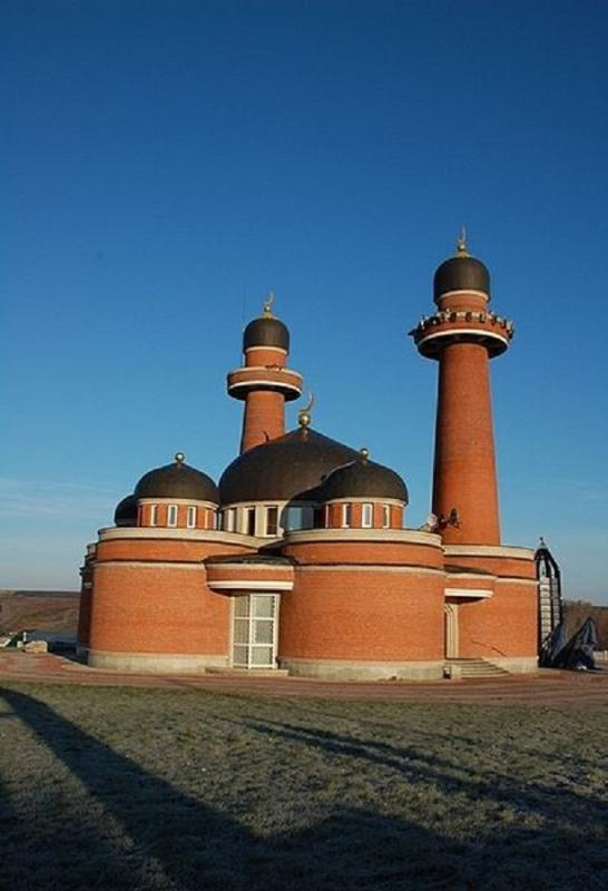 410px-Muslim_cultural_center_Medina_in_Central_Russia.jpg