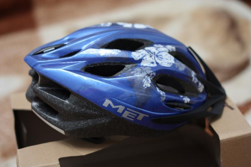 MET_Mythos_S_Helmet_-_Lady_4.jpg
