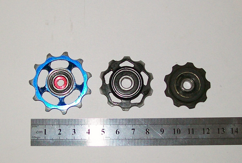Different_chain_pulleys.JPG