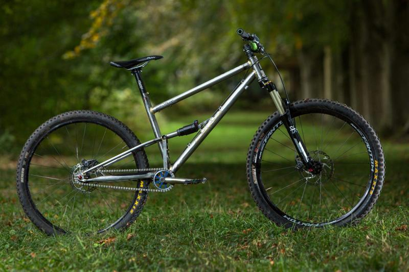 starling-cycles-beady-little-eye_-silver-_2040F_St_without_rear_shock.jpg