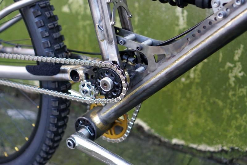 Starling-Cycles-Sturn-downhill-bike-_ph3.jpg