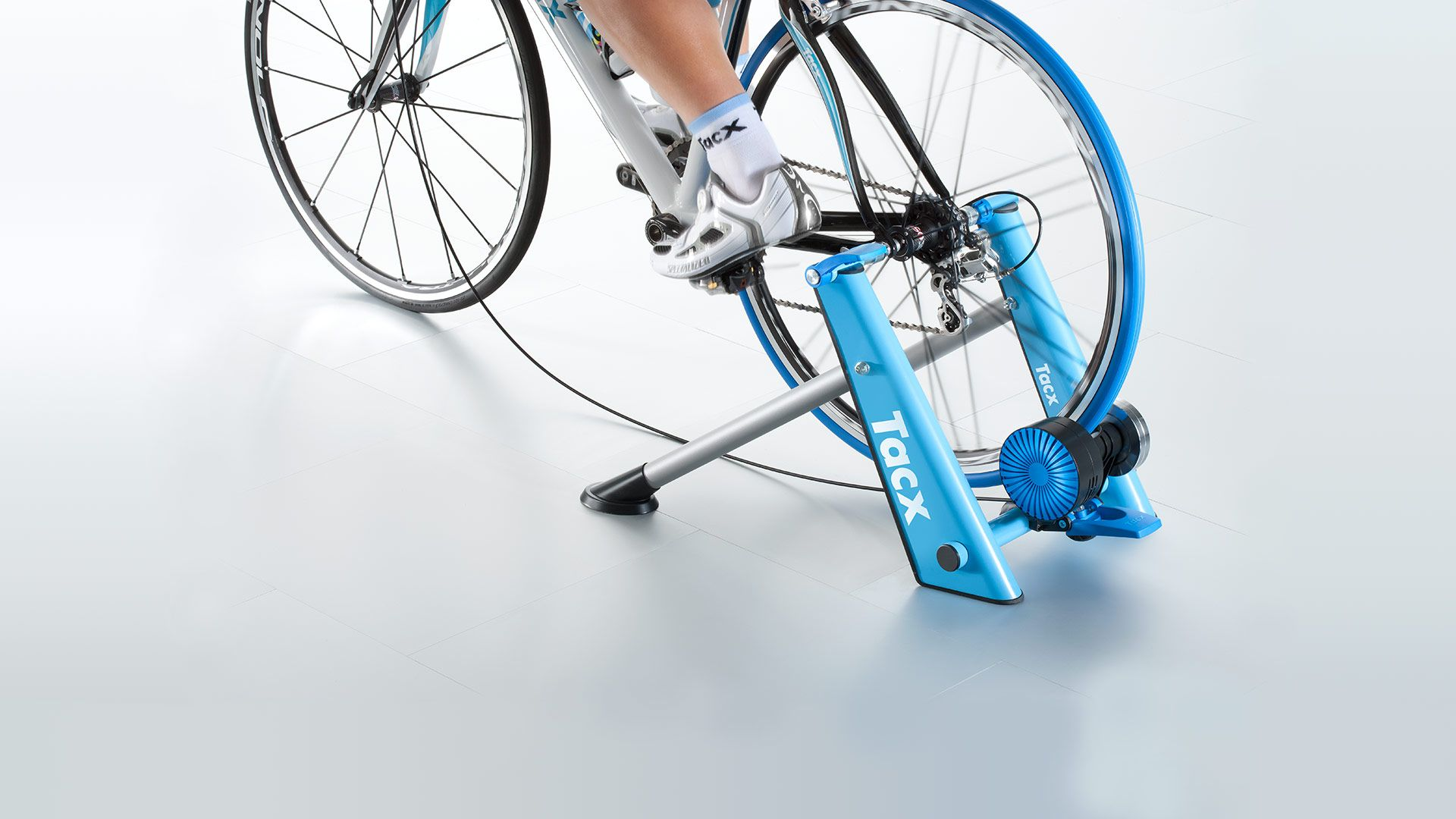 t2650_blue_matic_10_backleft_basic_cycle_trainer_turbo_best_quality_header-1.jpg
